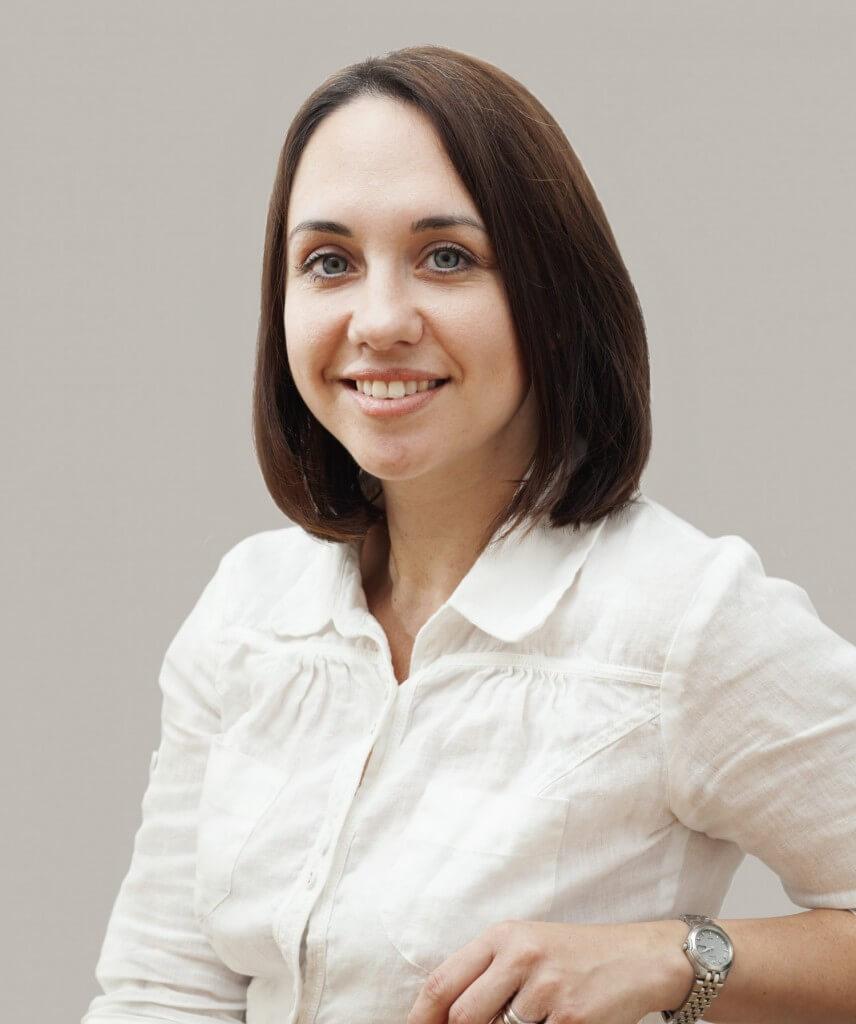 Vera Keves, VERA KEVES & CO - Czech & Slovak Translators and Interpreters - Český tlumočník překladatel – Slovenský tlmočník prekladateľ v UK