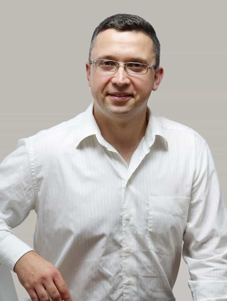 Vladimir Keves - VERA KEVES & CO - Czech & Slovak translators and interpreters - Český tlumočník překladatel – Slovenský tlmočník prekladateľ v UK