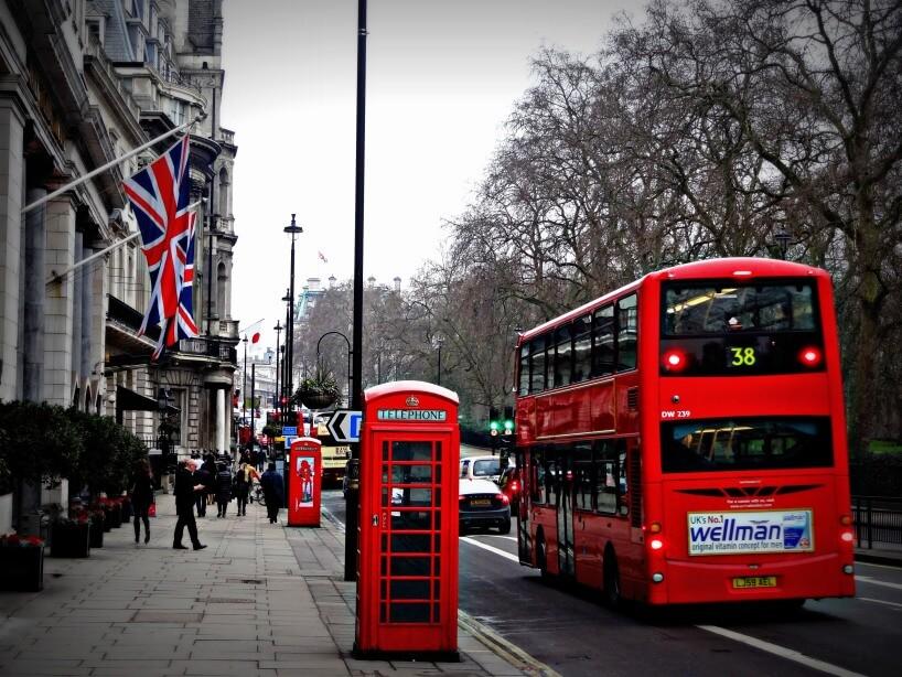 Potrebujem UK registračný certifikát - Registration Certificate a rezidenčnú kartu - Residence Card?